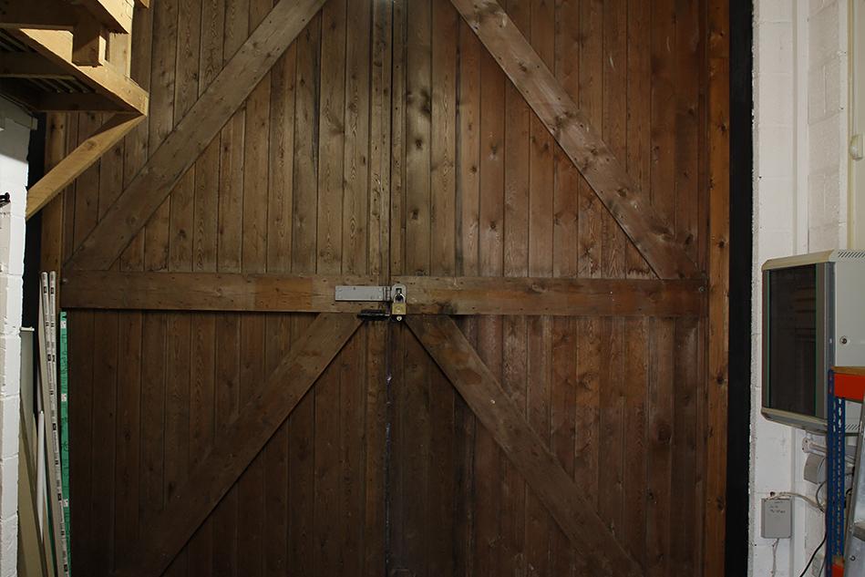 Henley Cold Press Barn Doors Photo